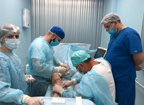 """Phlebologist surgeon Chernykh K.P. in the operating room """"MIFC"""""""
