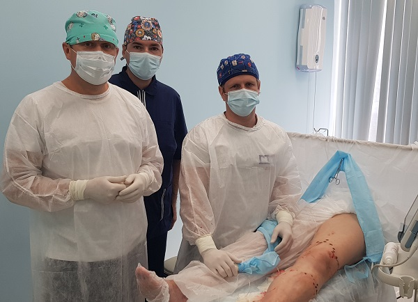 """Doctors of the Center for Phlebology and Pustakhaylov G.K. in the operating room """"MIFC"""" at a master class"""