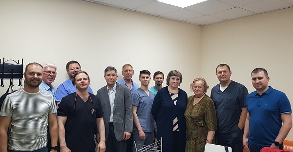 """Joint photo of S.V. Sapelkin with participants of the seminar """"Venous dysplasias and malformations"""""""