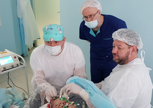 """M. V. Katasonov during an operation in the phlebology center """"MIFC"""""""