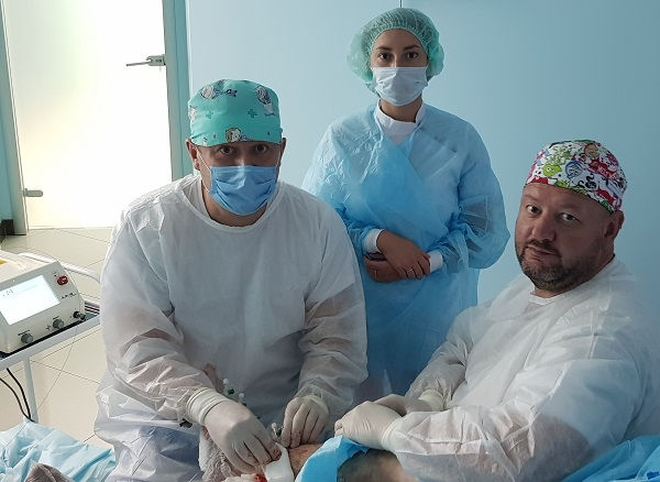 """Phlebologists Semenov A.Yu. and Larchenkova Oh.The. during laser surgery at """"MIFC"""""""