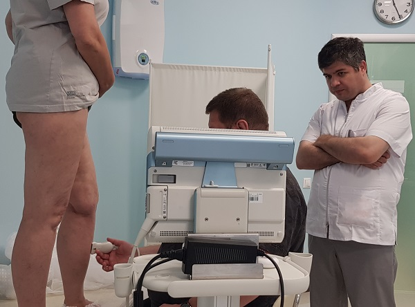 Preoperative ultrasound examination is carried out by Doctor D.A. Fedorov.