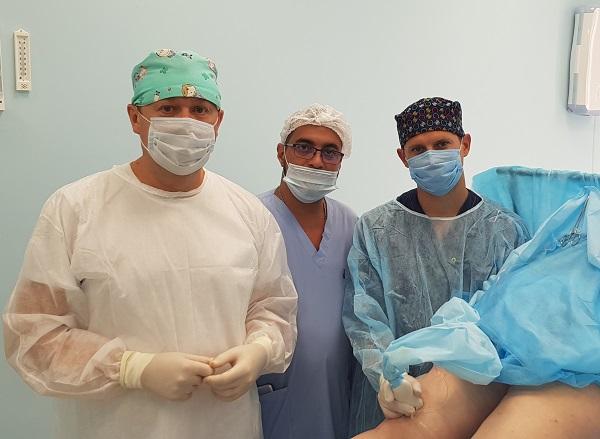 Semenov A.Yu., Raskin V.V. and phlebologist Mohsen Sheriff Ali-Mubarak in the MIFC operating room at a master class