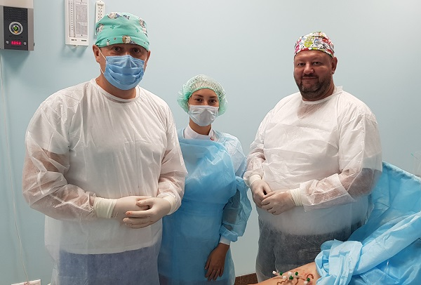"""Semenov A.Yu. and phlebologist Larchenkova O.V. in the operating room """"CSF"""" at the master class"""