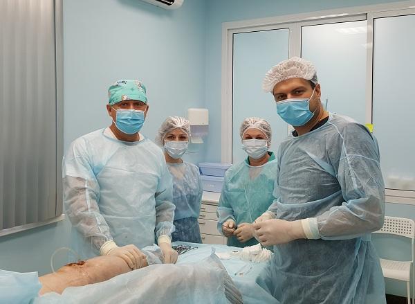 Team operativo di flebologi prima della procedura laser