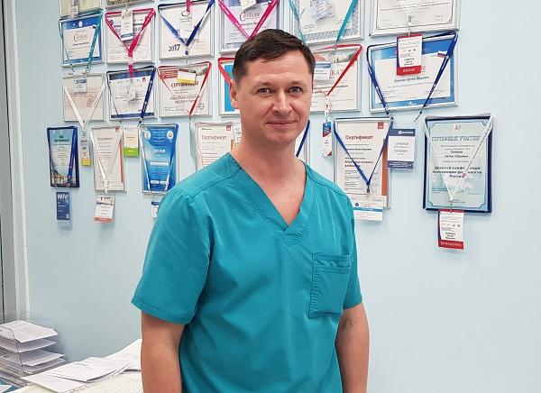 Zvolsky Roman Vladimirovich, chirurgo, flebologo, ecografico, Voronezh