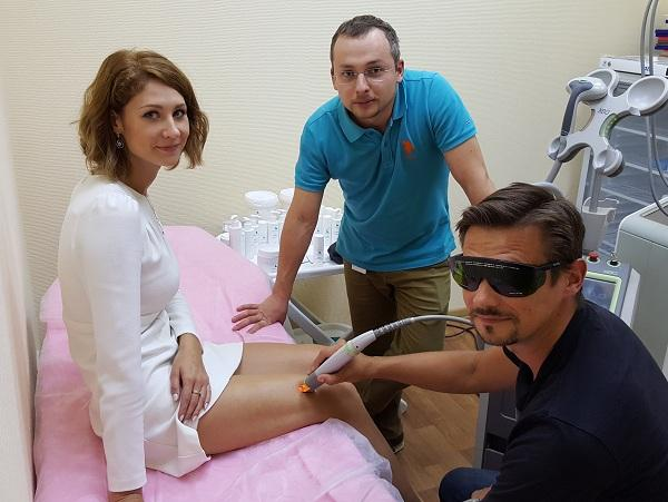 During the demonstration session of laser removal of stars