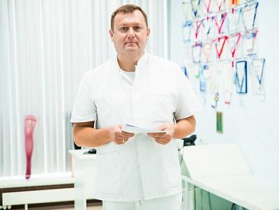 "Head of ""MIFTS"", cardiovascular surgeon, phlebologist, ultrasound doctor Semenov Artem Yurievich"