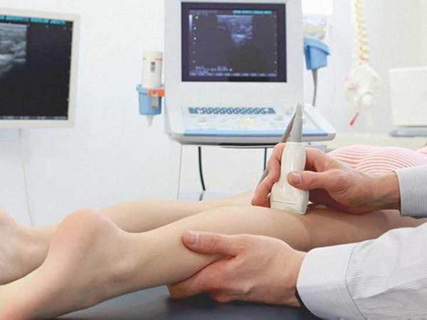 Ultrasound diagnosis of varicose veins of the lower extremities